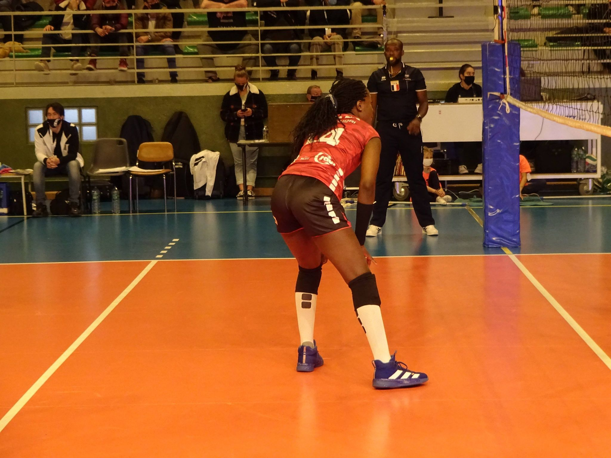 Yolande Amana Guigolo reste !